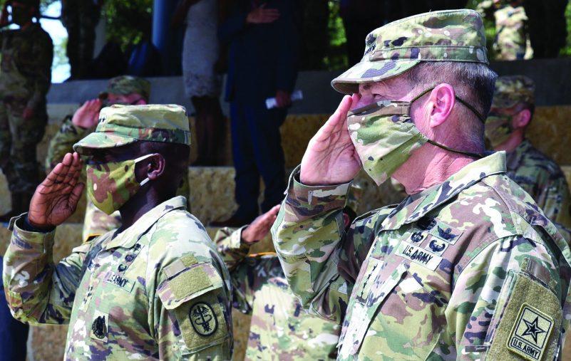الجيش الأمريكي يطرح كمامات مموهة لجنوده في 2021