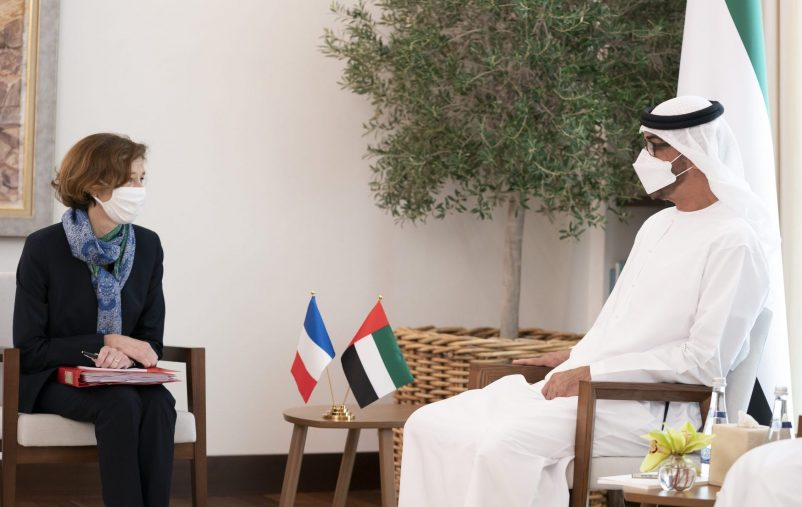 ABU DHABI, UNITED ARAB EMIRATES - December 01, 2018: HH Sheikh Mohamed bin Zayed Al Nahyan, Crown Prince of Abu Dhabi and Deputy Supreme Commander of the UAE Armed Forces (R), meets with HE Florence Parly, Minister of the Armed Forces of France (L), at Al Shati Palace.  ( Hamad Al Mansoori / Ministry of Presidential Affairs ) ---